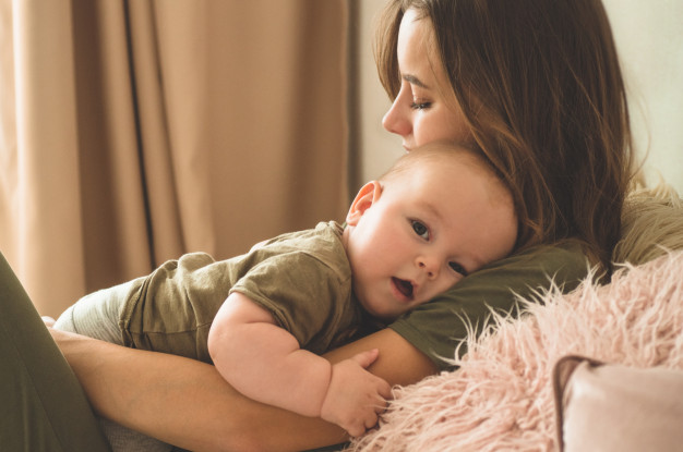 Care sunt diferențele dintre a deveni părinte prin  fertilizarea in vitro şi prin calea naturală